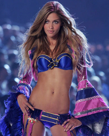 Victoria's Secret Fashion Show 2005 - Sexy Toys